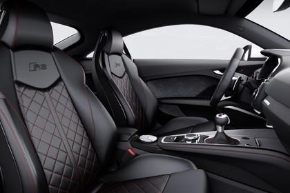 Audi TT RS 8S Roadster Innenansicht Vordersitze Studio statisch schwarz
