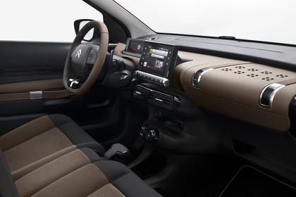 Citroën C4 Cactus Innenansicht statisch Studio Vordersitze und Armaturenbrett beifahrerseitig