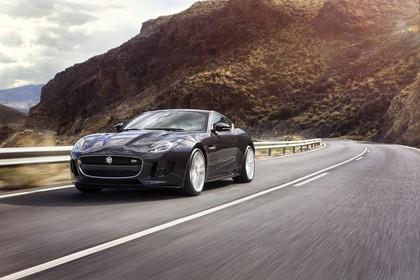 Jaguar F-Type AWD S Coupé QQ6 Aussenansicht Front schräg dynamisch schwarz