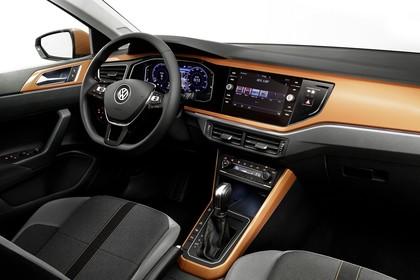 VW Polo AW Innenansicht statisch Studio Vordersitze und Armaturenbrett beifahrerseitig
