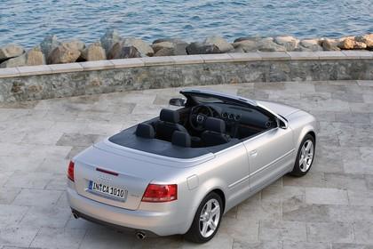 Audi A4 Cabrio B7 Aussenansicht Heck schräg statisch silber