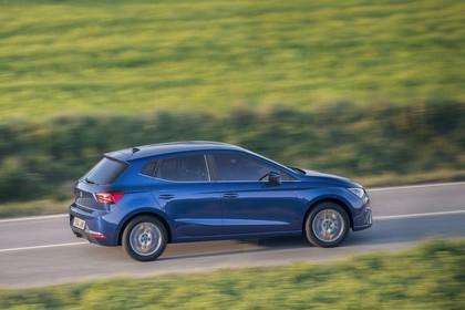 SEAT Ibiza Aussenansicht Aussenansicht Seite schräg dynamisch blau