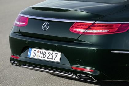 Mercedes-Benz S-Klasse Coupé C217 Aussenansicht Heck schräg statisch grün