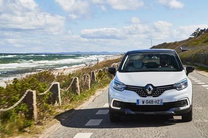 Renault Captur R Aussenansicht Front dynamisch weiss