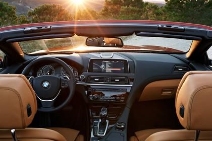 BMW 6er Cabrio F12 Innenansicht zentral statisch braun
