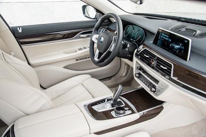 BMW 7er G11/G12 Innenansicht Beifahrerposition Studio statisch beige