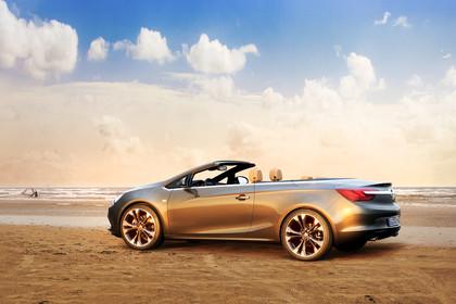 Opel Cascada Aussenansicht Seite schräg statisch gold