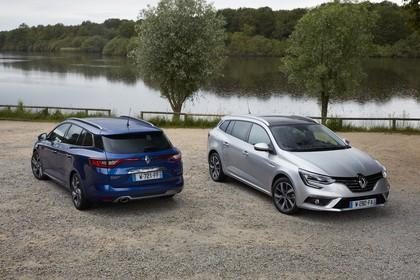 Renault Mégane Grandtour IV Aussenansicht Heck Front schräg statisch blau silber