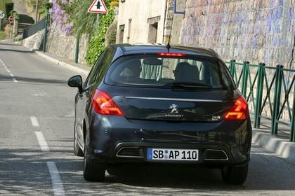 Peugeot 308 Fünftürer Facelift Aussenansicht Heck statisch schwarz
