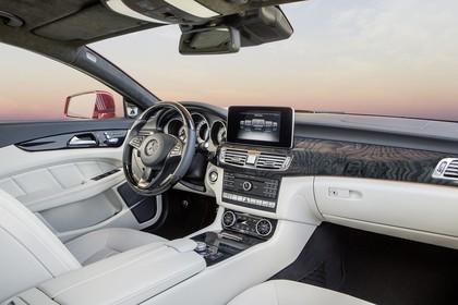 Mercedes-Benz CLS C218 Innenansicht Beifahrerposition statisch weiss