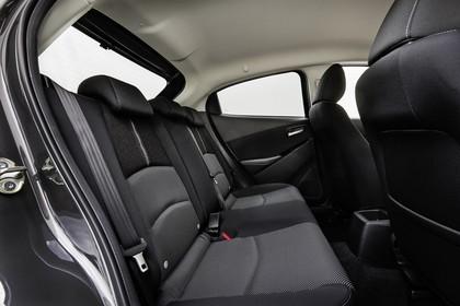 Mazda 2 DJ Innenansicht statisch Studio Rücksitze beifahrerseitig