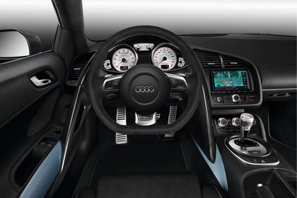 Audi R8 Spyder Innenansicht Fahrerposition Studio statisch schwarz