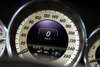 Mercedes-Benz CLS Shooting Brake X218 Innenansicht Detail Kombiinstrument statisch schwarz