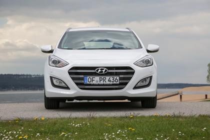 Hyundai i30 Kombi GD/GDH Aussenansicht Front statisch weiss