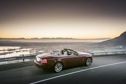 Rolls-Royce Dawn Aussenansicht Seite schräg erhöht statisch braun