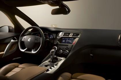 Citroën DS5 K Innenansicht statisch Studio Vordersitze und Armaturenbrett beifahrerseitig