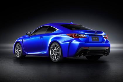 Lexus RC F X10 Aussenansicht Heck schräg statisch Studio blau