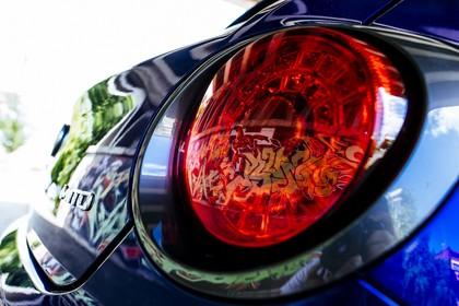 Alfa Romeo Mito 955 Aussenansicht Heck schräg statisch Detail Rückleuchte rechts blau
