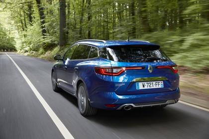 Renault Mégane Grandtour IV Aussenansicht Heck schräg dynamisch blau