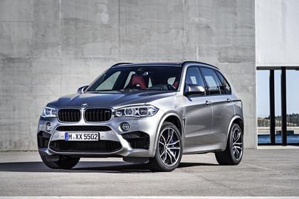 BMW X5 M F85 Aussenansicht Front schräg statisch silber