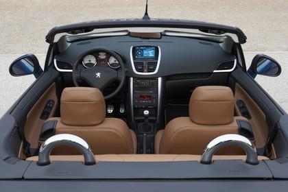 Peugeot 207 CC W Innenansicht statisch Innenraum