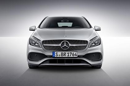 Mercedes A-Klasse W176 Aussenansicht Front Studio statisch silber