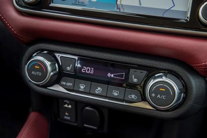 Nissan Micra K14 Innenansicht statisch Detail Klimaautomatik