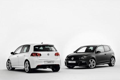 VW Golf 6 R Dreitürer Fünftürer Aussenansicht Heck Front schräg statisch Studio weiss schwarz