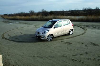 Hyundai i10 Aussenansicht Seite schräg statisch silber