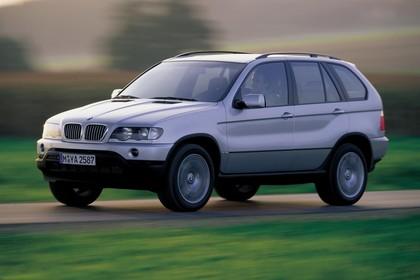 BMW X5 E53 Aussenansicht Front schräg dynamisch silber