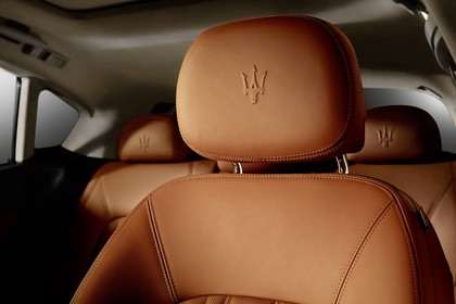 Maserati Levante Innenansicht statisch Studio Detail Fahrersitz