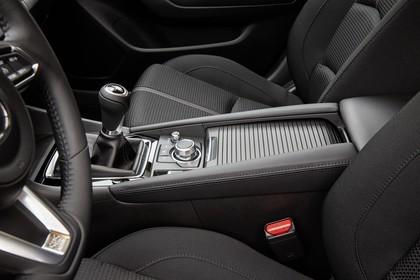 Mazda 3 BM Fünftürer Innenansicht statisch Studio Detail Mittelkonsole