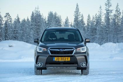 Subaru Forester IV SJ Aussenansicht Front statisch braun