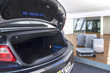 Opel Cascada Aussenansicht Detail Kofferraum geöffnet statisch schwarz