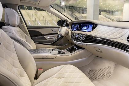 Mercedes Maybach S-Klasse X222 Innenansicht Vordersitze statisch beige
