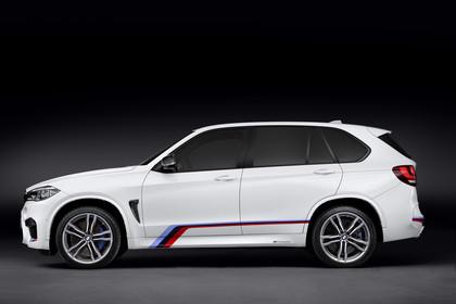 BMW X5 M F85 Aussenansicht Seite statisch weiss