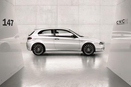 Alfa Romeo 147 Fünftürer 937 Aussenansicht Seite statisch weiß