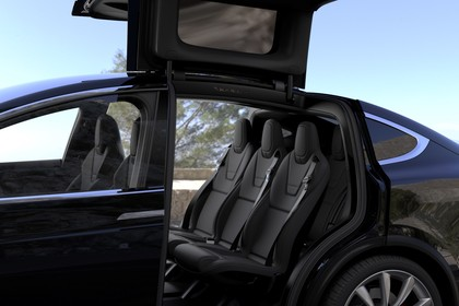 Tesla Model X Innenansicht statisch Rücksitze