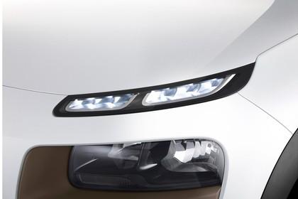 Citroën C4 Cactus Aussenansicht Front schräg statisch Detail Scheinwerfer links