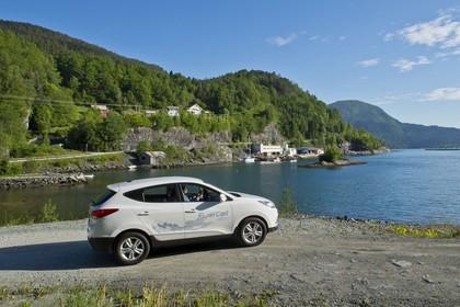 Hyundai ix35 Fuel Cell EL Aussenansicht Seite statisch weiß