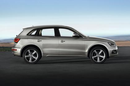 Audi Q5 8R Aussenansicht Seite statisch silber