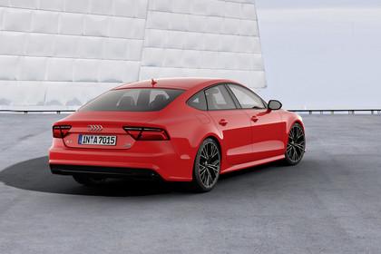 Audi A7 4G Aussenansicht Heck schräg statisch rot
