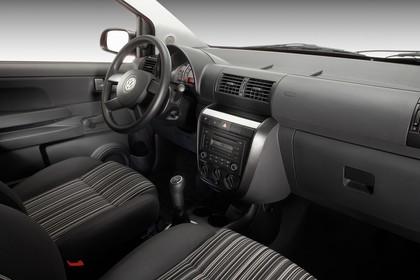 VW Fox 5Z Innenansicht statisch Studio Vordersitze und Armaturenbrett beifahrerseitig