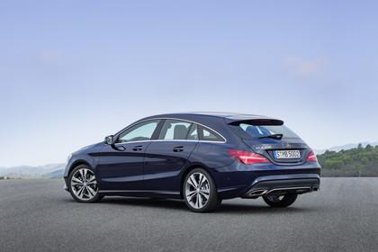 Mercedes CLA Shooting Brake X117 Aussenansicht Heck schräg statisch blau