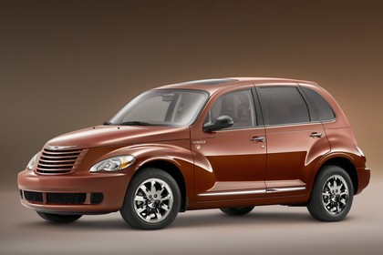 Chrysler PT Cruiser Facelift Aussenansicht Seite schräg statisch braun