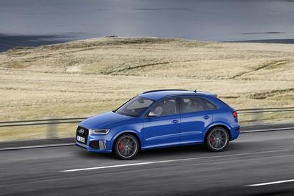 Audi RSQ3 8U Aussenansicht Seite schräg dynamisch blau