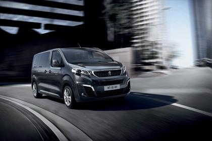 Peugeot Traveller V Aussenansicht Front schräg dynamisch grau