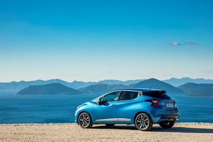 Nissan Micra K14 Aussenansicht Seite schräg statisch blau