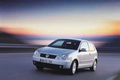 VW Polo IV 9N Dreitürer Aussenansicht Front schräg dynamisch grau
