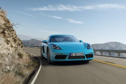 Porsche 718 Cayman S 982 Aussenansicht Front schräg dynamisch blau
